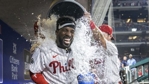 McCutchen's 3-run HR in 9th gives Phillies 6-5 win over Nats