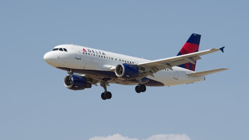 Delta to stop blocking middle seats in May, brings back snacks