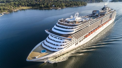 Major cruise lines accepting bookings for June, despite CDC order