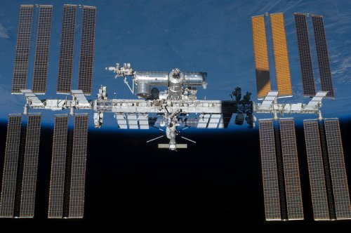 NASA working to isolate space station air leak