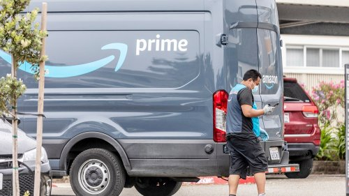 Amazon imposes body odor, social media rules for contracted delivery drivers