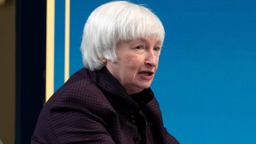 Yellen says women face many obstacles in economics careers