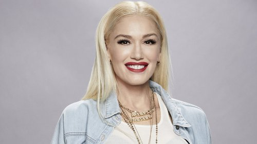 Gwen Stefani ditches signature blonde tresses, stuns with new dark bob hairstyle for photoshoot