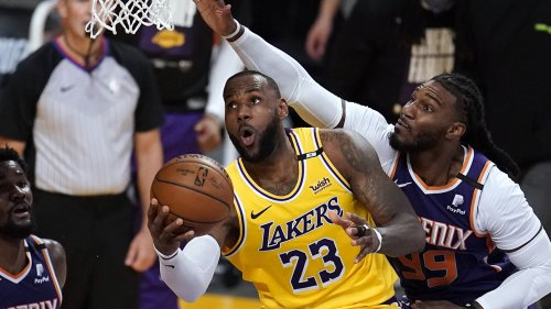 Lakers' LeBron James has message for haters: 'Do me one favor PLEASE!!!!'