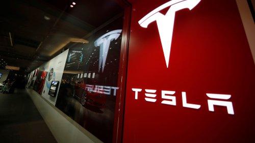 Deadly Texas crash involving Tesla worth $80,000 sparks four hour fire
