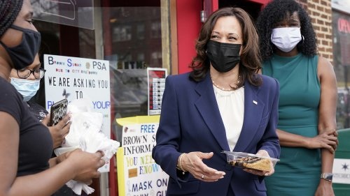 VP Harris visits Chicago bakery even as border crisis escalates