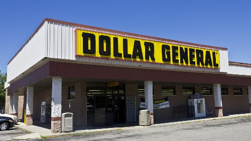 Dollar General will pay workers to get COVID-19 vaccine