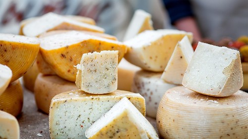 Football fans to eat 20 million pounds of cheese during Super Bowl, dairy farmers predict