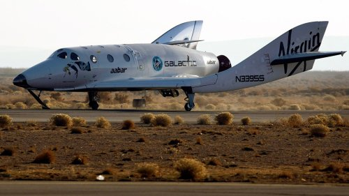 Virgin Galactic delays space tourism liftoff
