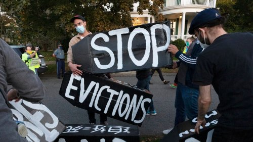 Dems support Florida landowner evicting unvaccinated tenants