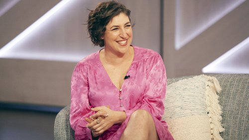 'Big Bang' alum Mayim Bialik says she 'felt different' growing up in Hollywood: 'It was definitely abnormal'