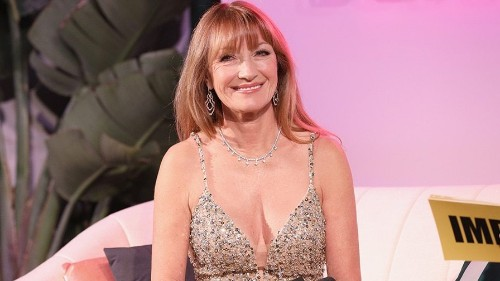 Jane Seymour says she was mugged in broad daylight in her early 20s, nearly arrested