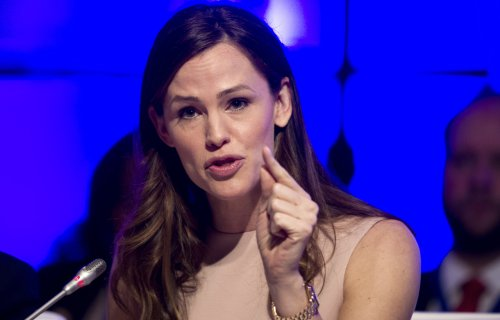 Jennifer Garner stresses early education at meeting with U.S. governors