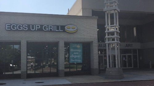 South Carolina restaurant staff receives $2K tip with a note left by 'regular' customer
