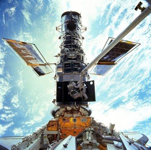Hubble Space Telescope halts amid computer trouble