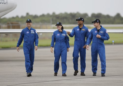Astronauts head to launch site for SpaceX flight