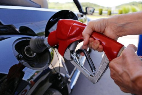 Unusual leap in gas prices puts $3 a gallon in sight
