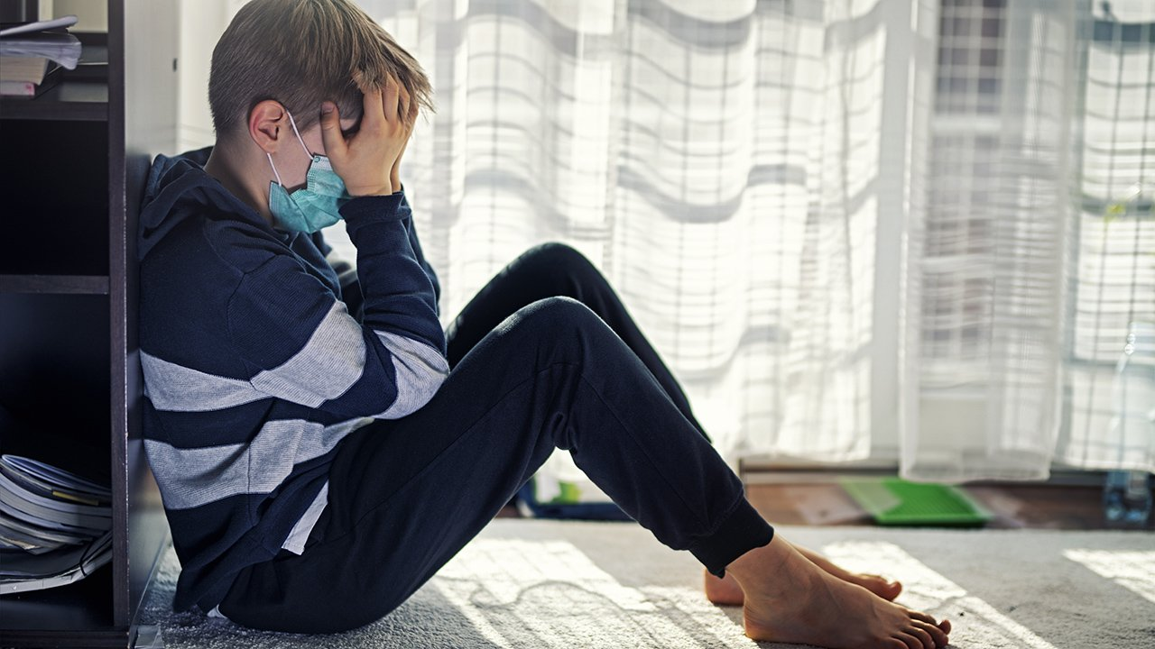 Pandemic saw worsening mental health among teens, young adults, study finds