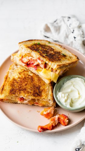 How to make the ultimate Maine lobster grilled cheese sandwich
