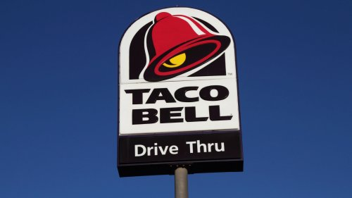 Ohio Taco Bell worker puts out fire caused by car crash