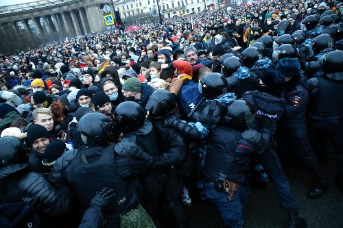 Thousands arrested at Russia protests, including opposition leader Navalny's wife