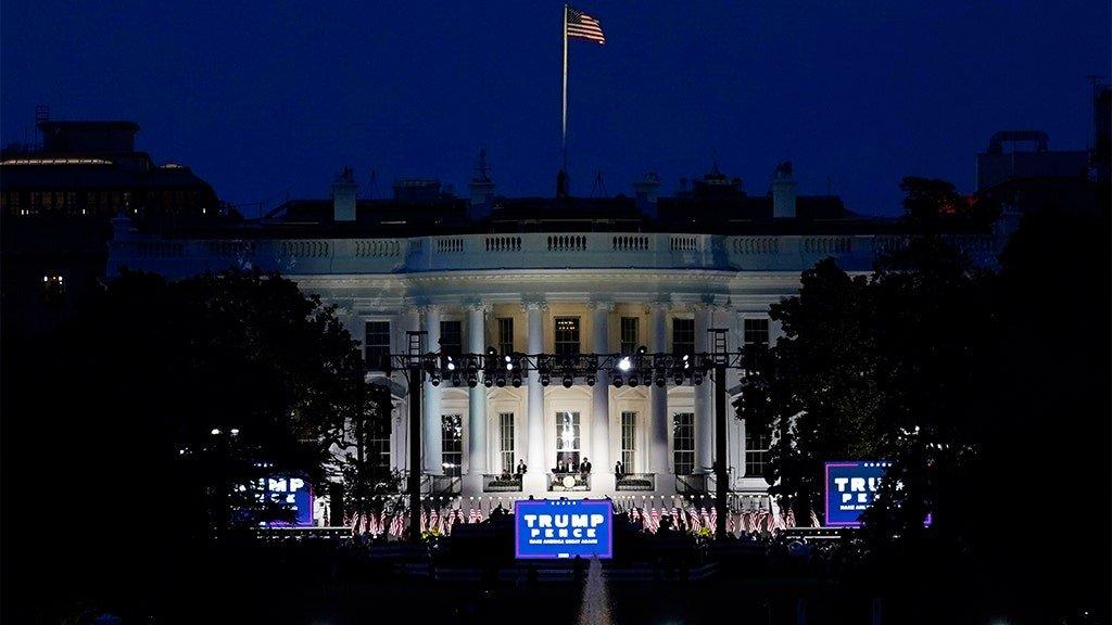 White House to resume public tours