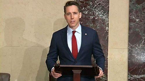 Sen. Hawley introduces anti-CRT Love America Act to teach patriotism in schools