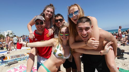 Spring Break veers toward 'normal' in Florida – despite coronavirus pandemic