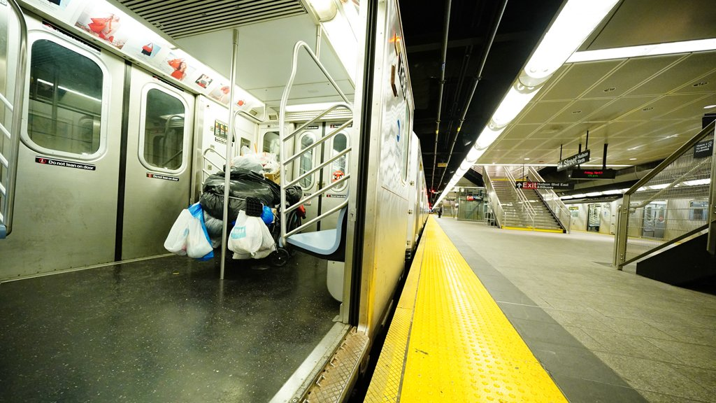 NYC subway, bus riders who don't wear masks risk $50 fines