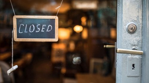 Georgia restaurant forced to close after entire staff quits, posts sign on front door