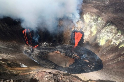 Hawaii volcano eruption forms lava lake, can be seen from space