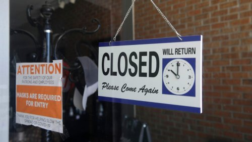 Another 898,000 Americans filed for unemployment aid last week as layoffs persist