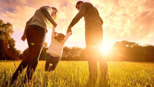 4 tips on raising confident children: parenting experts