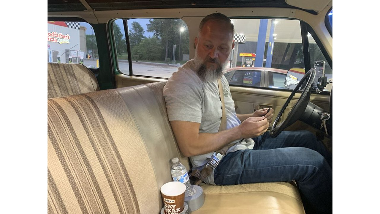 Classic car duct tape cupholder hack makes a splash