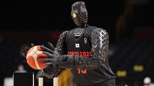Tokyo Olympics robot impresses with impeccable shooting during US-France halftime