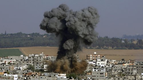 Hamas lobs hundreds of rockets in 24 hours, Israel responds by attacking targets in Gaza
