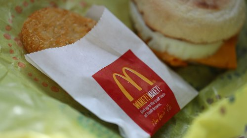Driver claims he was wrongly ticketed when cop mistook McDonald's hash brown for phone