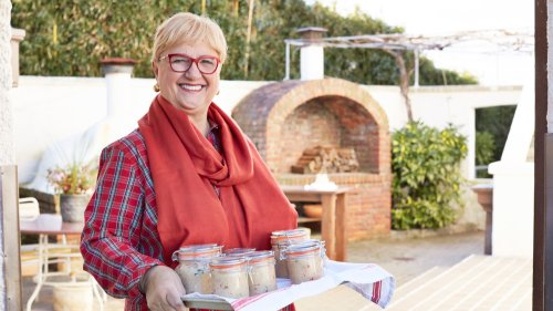 Lidia Bastianich celebrates frontline workers in latest cooking special: 'These people have such dedication'