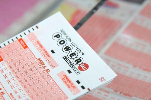 Jackpot winner in $730M Powerball, none in Mega Millions