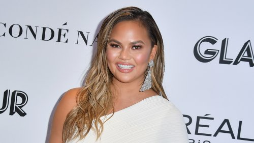 Chrissy Teigen's cyberbullying apology prompts reactions from husband John Legend, more stars: We 'see you'