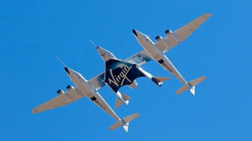 Virgin Galactic cleared by FAA to fly passengers into space