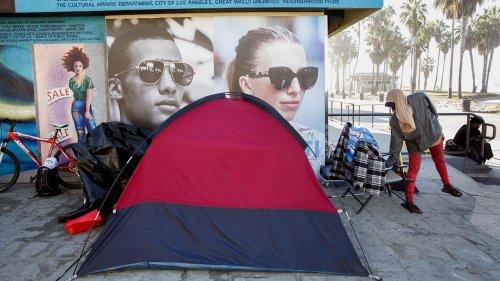 Residents in Los Angeles' Venice neighborhood frustrated over large homeless encampment, shootings, stabbings