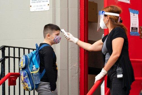 NYC's rising coronavirus infections prompt new fine, school-closure threat
