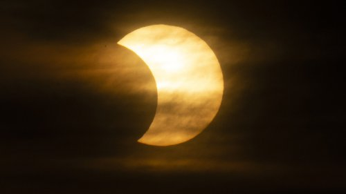 'Ring of Fire' solar eclipse stuns viewers around world