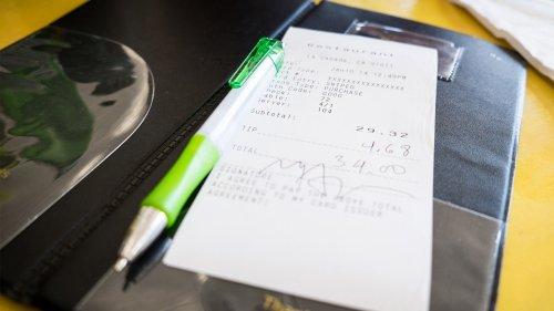 Louisiana restaurant owner apologizes for 'discriminatory' message left on Black family's receipt