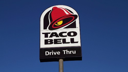 Beloved Taco Bell employee given $6G tip by Florida community