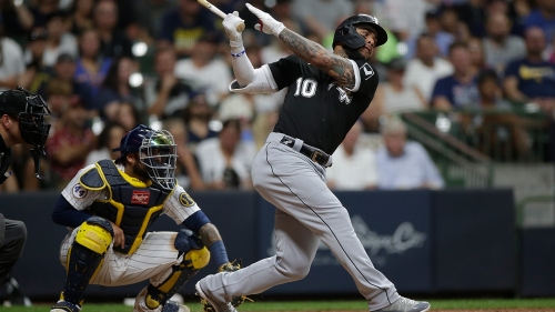 Yoan Moncada's homer starts rally as White sox defeat Indians, 6-4
