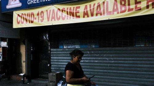 """Eine """"Pandemie der Ungeimpften"""": Zahlreiche Infektionen und Todesfälle in den USA """"vermeidbar"""""""