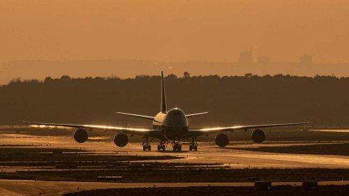 Flughafen Frankfurt: Mitarbeiter entdeckt gefährlichen Gegenstand – Entschärfungsteam muss anrücken