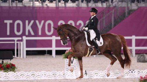Olympia 2021 Dressurreiten live: Erste Medaille steht fest